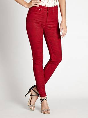 WHY YOU NEED IT: From our heritage-inspired GUESS Originals Collection, this sexy skinny channels the iconic look of the '80s that's totally of-the-moment. The high rise sits at your natural waist, slimming your figure and eliminating that dreaded muffin top. The super stretch denim hugs your body from hip to ankle while the broken-in, coated finish gives you a most-wanted Western-inspired look.