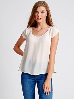 Open envelope-style detail at the back and sleeves make this chic top perfect for weekends. The fluid movement flashes a hint of skin so even your casual days are a little bit sexy.