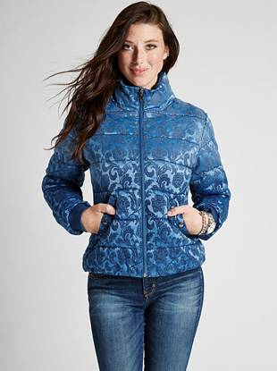 A glamorous take on the ultra-warm puffer jacket, this outerwear piece is perfect for the cold-weather months. Embroidered with a damask pattern and finished with a slight sheen, it adds impact to any look.