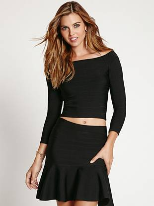 If you love our bandage dresses then this top is exactly what your closet is missing. The off-the-shoulder design and cropped silhouette bring a playful touch to the sexy, curve-hugging cut.