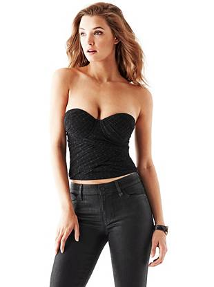 This swiss dot trend is having a moment right now, making this bustier top the new night-out must have. Featuring a body-hugging fit and sexy sheer back, it's perfect for all your weekend plans.