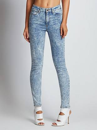GUESS Originals Collection  ??WHY YOU NEED IT: From our heritage-inspired GUESS Originals Collection, this sexy skinny channels the iconic look of the '80s that's totally of-the-moment. The high rise sits at your natural waist, slimming your figure and eliminating that dreaded muffin top. The mid-weight stretch denim hugs your body from hip to ankle while an acid wash delivers a retro-perfect finish.