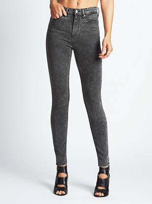 WHY YOU NEED IT: From our heritage-inspired GUESS Originals Collection, this sexy skinny channels the iconic look of the '80s that's totally of-the-moment. The high rise sits at your natural waist, slimming your figure and eliminating that dreaded muffin top. The super-stretch, lightweight denim hugs your body from hip to ankle while a black acid wash delivers a retro-perfect finish.