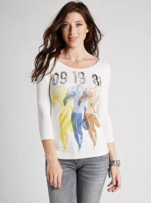 Super-soft knit and a sexy GUESS girl graphic make this top the ultimate essential for your casual fall looks.