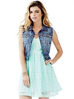 Cropped Denim Vest in Bookcase Wash