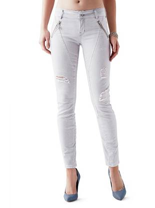 Letitia Mid-Rise Skinny Jeans in Light Lilac Wash