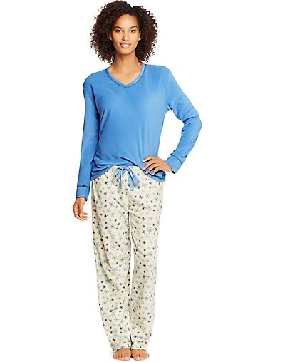 Hanes Women's Micropolar Fleece Long Sleeve V-Neck Tee & Pants Sleep Set - HAC80121