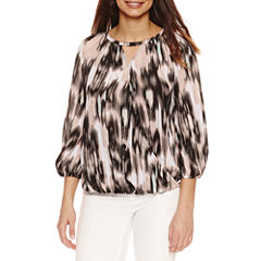 Bold Elements 3/4 Sleeve Neck Lace Top