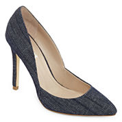 Style Charles Pierce Pumps