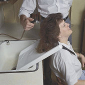 Shoulder Mounted Shampoo Rinse Tray