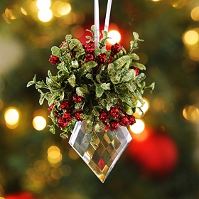 Mistletoe Kissing Crystal, 5 in.