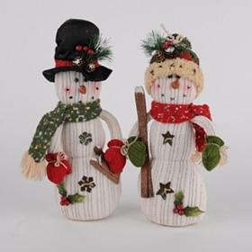 Knit Snowman Statue
