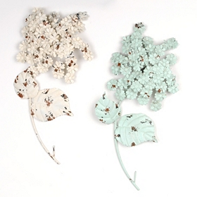 Distressed Hydrangea Metal Wall Plaque