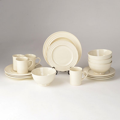 Buttercream 16-Pc. Dinner Set