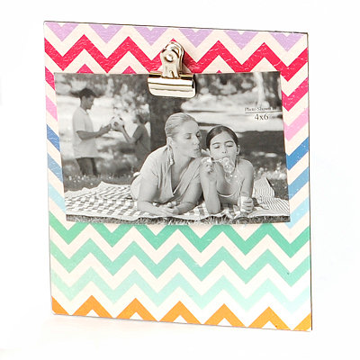 Multi-Colored Chevron Clip Photo Stand