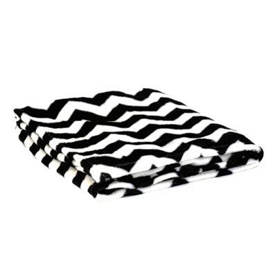 Black & White Chevron Throw Blanket