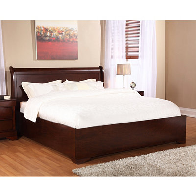 Chester Brandy Queen Bed
