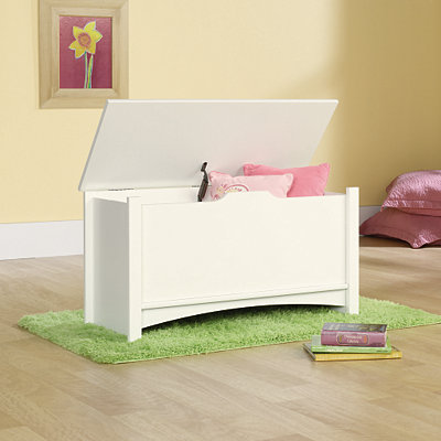Shoal Creek Soft White Storage Chest