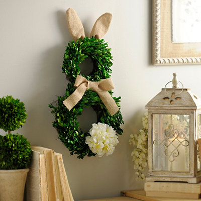 Boxwood Easter Bunny Wreath