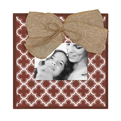 Red & White Quatrefoil Picture Frame, 5x7