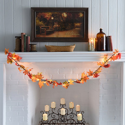 Pre-Lit Maple Leaf Garland