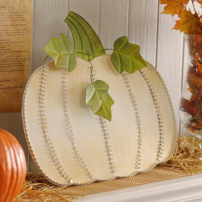 Cream Metal Pumpkin Easel