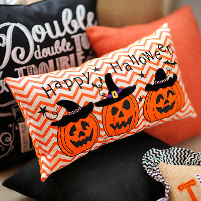 Jack O' Lantern Happy Halloween Pillow