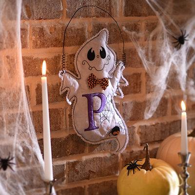 Spooky Ghost Monogram P Wall Hanger