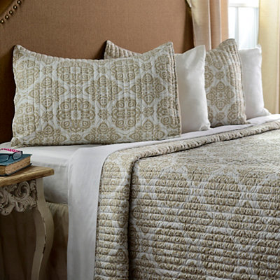 Taupe Medallion 3-pc. Queen Quilt Set