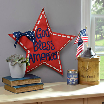 Red God Bless America Star Wall Hanger