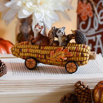 Corn Cob Buddies Statue