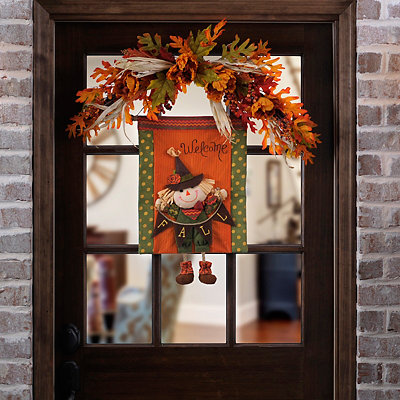 Welcome Fall Scarecrow Wall Hanger