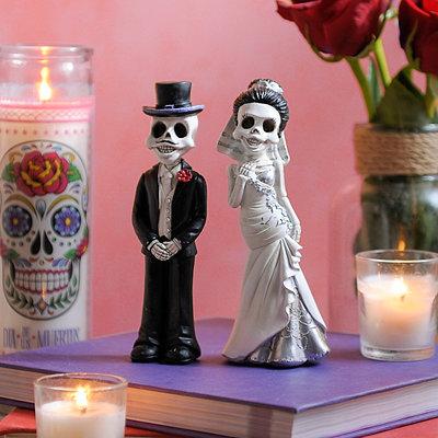 Bride and Groom Skeleton Wedding Statues, Set of 2