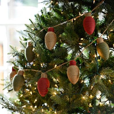 Yarn Christmas Light Bulb Garland