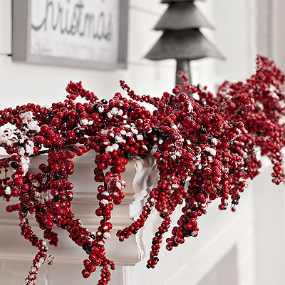Red Snow Berry Garland