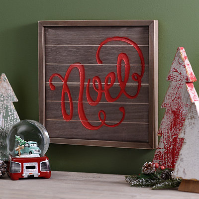 Noel Wooden Plaque