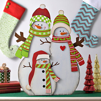 Wooden Snowman Family Easel