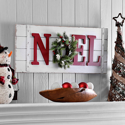Noel Wreath Wooden Plaque