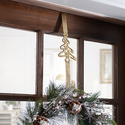 Christmas Tree Metal Wreath Hanger