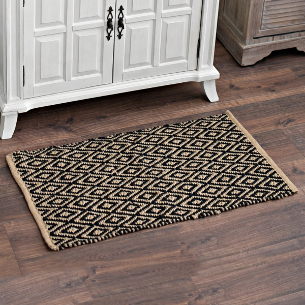 black and tan diamond lattice scatter rug