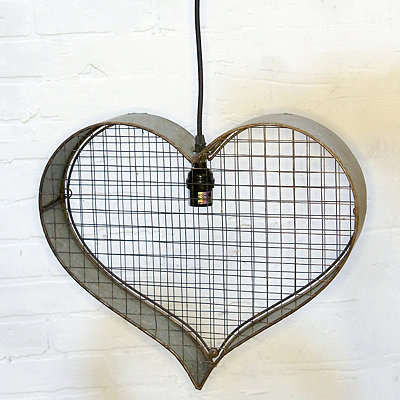 Metal Heart Pendant Light
