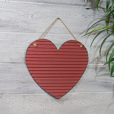 Corrugated Red Heart Metal Wall Plaque