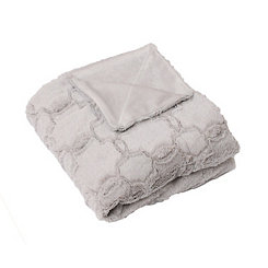 Gray Quatrefoil Faux Fur Throw Blanket