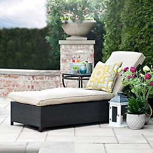 Adjustable Wicker Chaise Lounge with Cushions