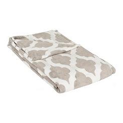 Quatrefoil Trellis Oversized Blanket
