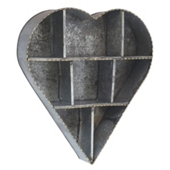 Farmhouse Heart-Shaped Galvanized Metal Shelf