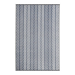 Navy Chevron Stripe Outdoor Rug, 5x8