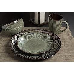 Green Nielsen 16-pc. Dinnerware Set