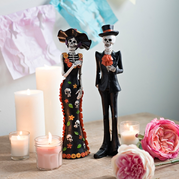 Sugar Skull Couple With Hats Statues