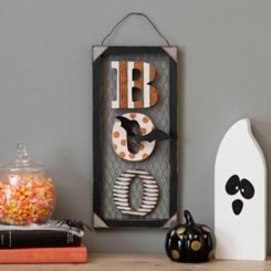 Halloween Boo Chicken Wire Wall Plaque